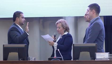 El concejal Manuel Alejandro Moreno Zapata durante su juramento como Vicepresidente Segundo para la vigencia 2019